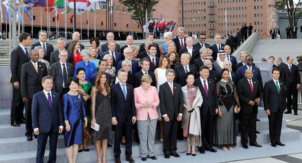 G20 eşli aile fotoğrafı