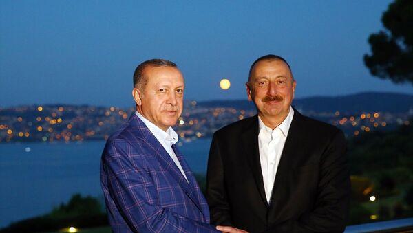 Türkiye Cumhurbaşkanı Recep Tayyip Erdoğan- Azerbaycan Cumhurbaşkanı İlham Aliyev - Sputnik Türkiye