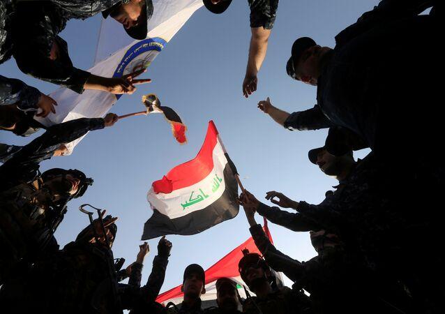 Irak bayrağı - Irak ordusu Musul'da zafer ilan etti
