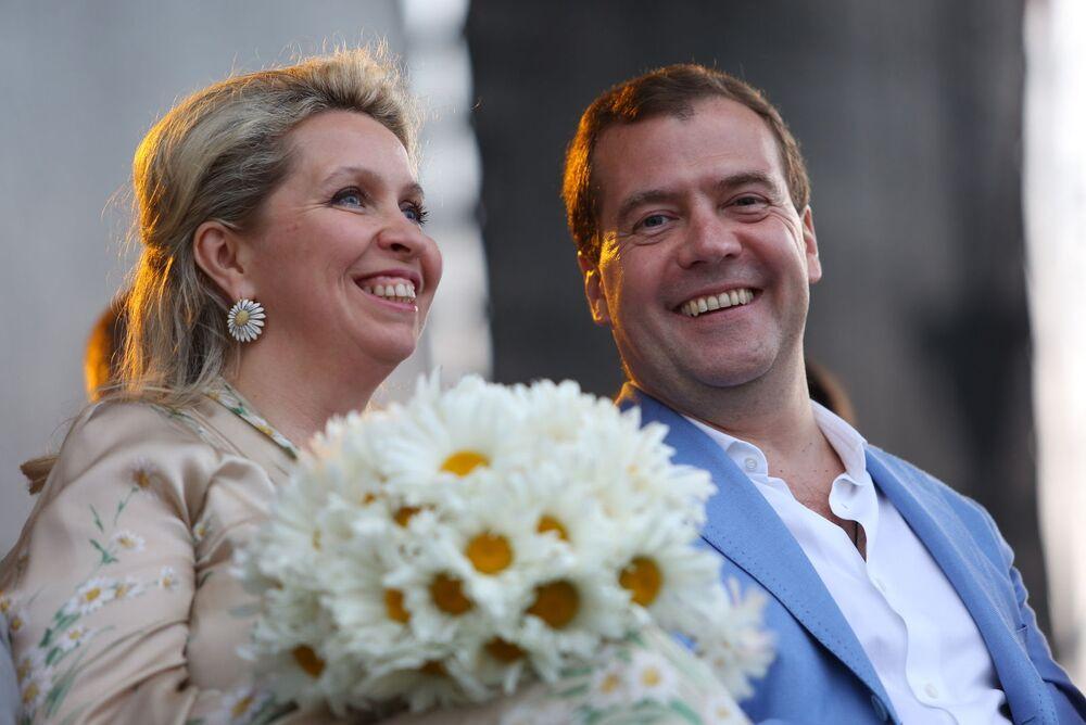 Sağlam evliliklere sahip Rus siyasetçiler