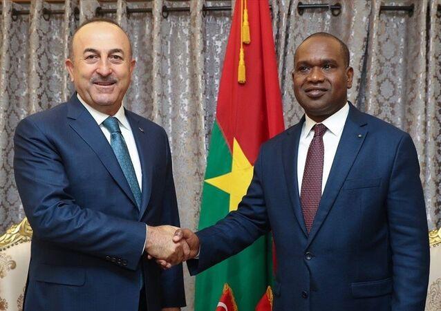 Dışişleri Bakanı Mevlüt Çavuşoğlu - Burkina Faso Dışişleri, İşbirliği ve Yurtdışı Burkinalılar Bakanı Alpha Barry