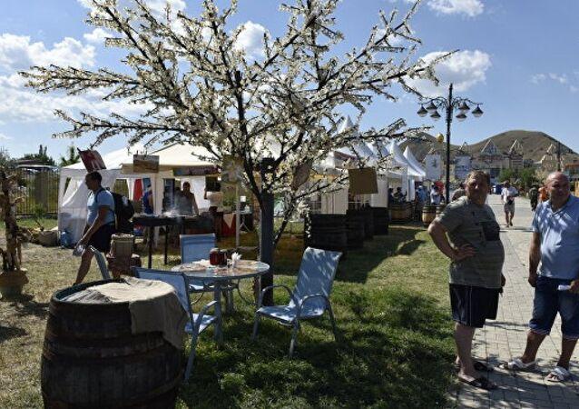 Kırım şarap festivali