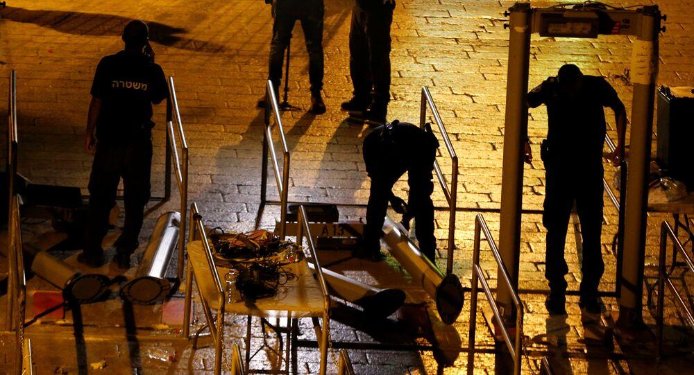 Mescid-i Aksa'daki dedektörler kaldırıldı