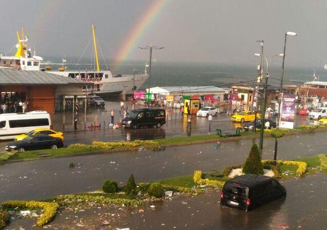 İstanbul'da yağış ve fırtına