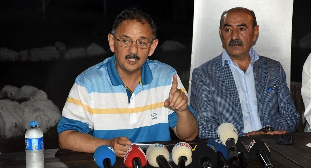Çevre ve Şehircilik Bakanı Mehmet Özhaseki