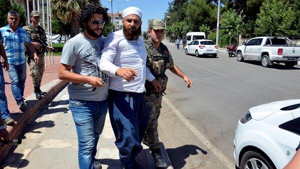 Atatürk büstüne saldıran Mehmet Malbora - Sputnik Türkiye
