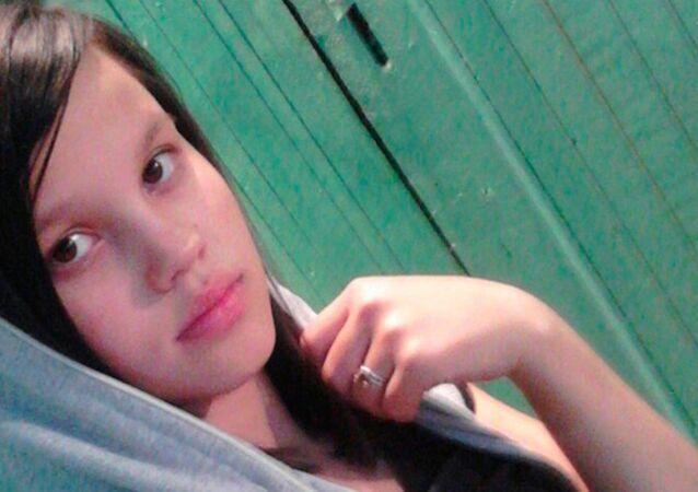14 yaşındaki Yana Tomaçeva