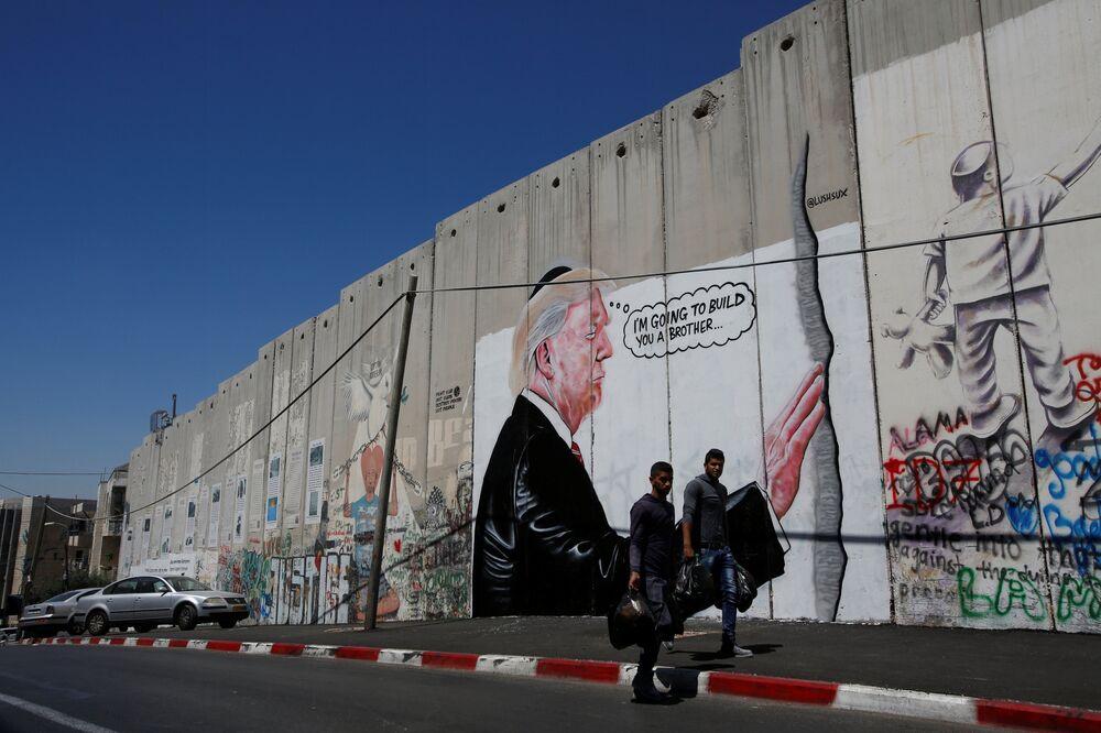 Ayrım Duvarı - Donald Trump