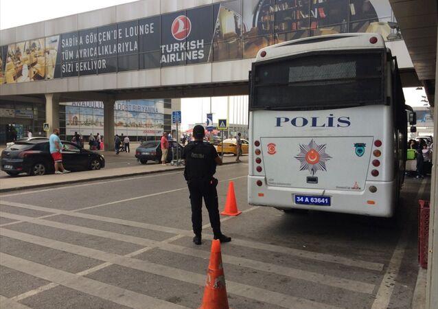Sabiha Gökçen Havalimanı / polis