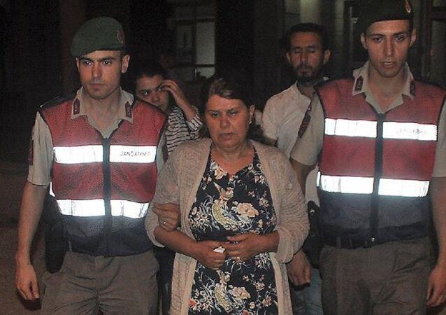 Yunanistan'a kaçarken boğulan adliye çalışanının eşi
