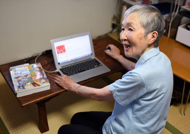 Japonya'nın 82 yaşındaki uygulama geliştiricisi Masako Wakamiya