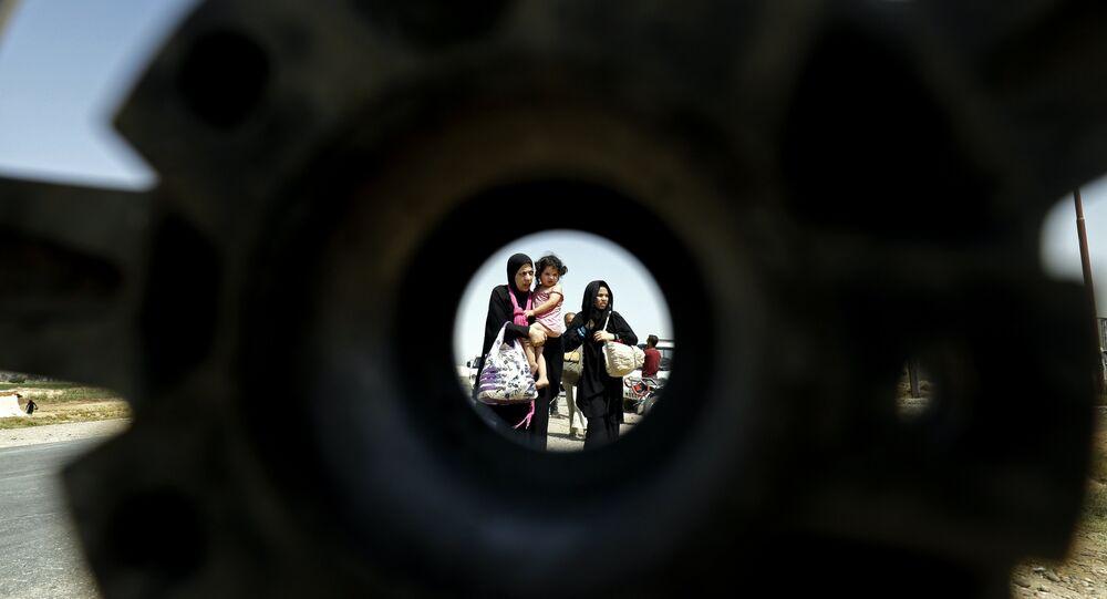 Rakka'da IŞİD'den kaçan halk