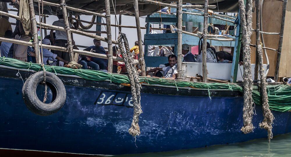 Yemen'deb Cibuti'ye gitmeye hazırlanan bir sığınmacı teknesi