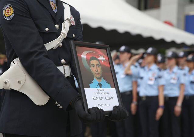 Polis memuru Sinan Acar'ın cenaze töreninden