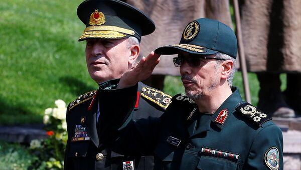 Genelkurmay Başkanı Orgeneral Hulusi Akar, İran Genelkurmay Başkanı Tümgeneral Muhammed Bakıri - Sputnik Türkiye
