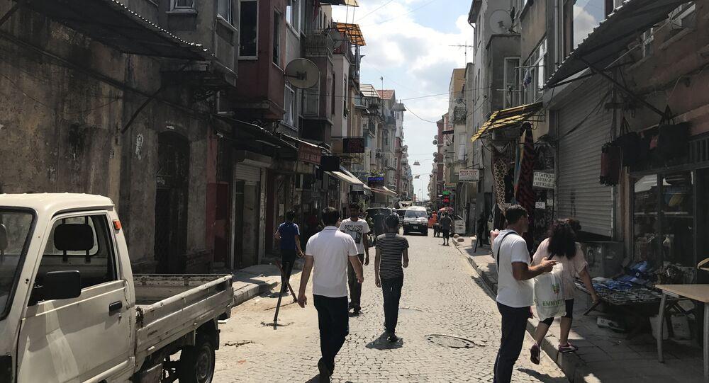 Ermenistan Ermenilerinin yoğun şekilde yaşadığı Kumkapı semtinden bir sokak.
