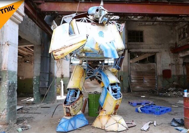 Zaporojets arabasını Transformers'a çevirdi