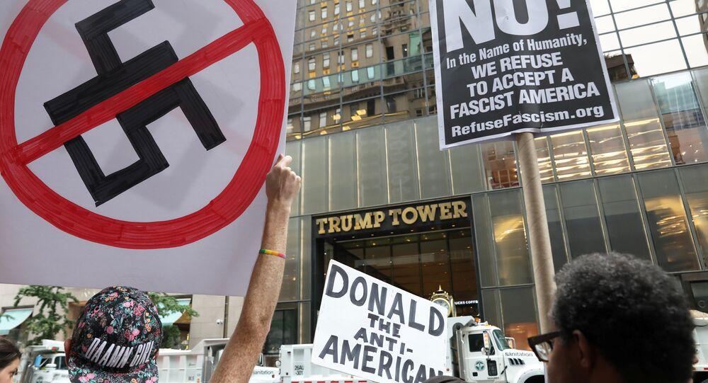 New York'taki Trump Tower önünde ırkçılık karşıtı eylem