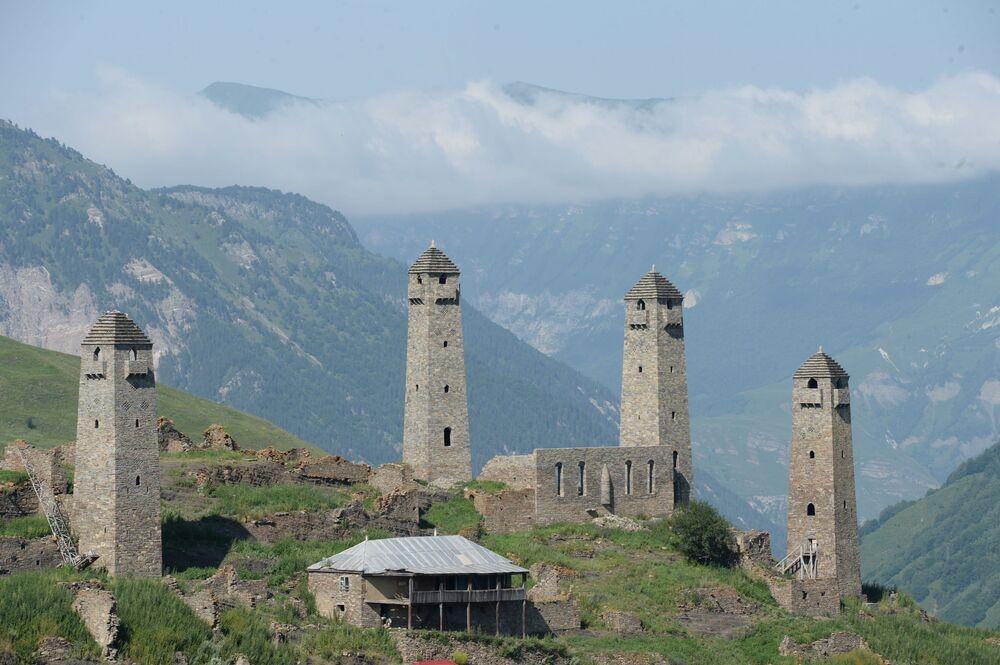 Çeçenistan'ın dağ manzarası