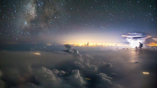11277 metre irtifada bir pilotun gözünden fırtına fotoğrafları - Sputnik Türkiye