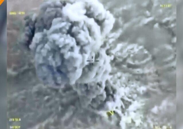 Suriye ordusu, Akerbat'ta IŞİD militanlarını çembere aldı