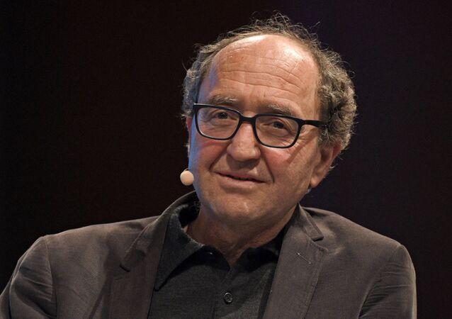 Alman vatandaşı yazar ve insan hakları savunucusu Doğan Akhanl