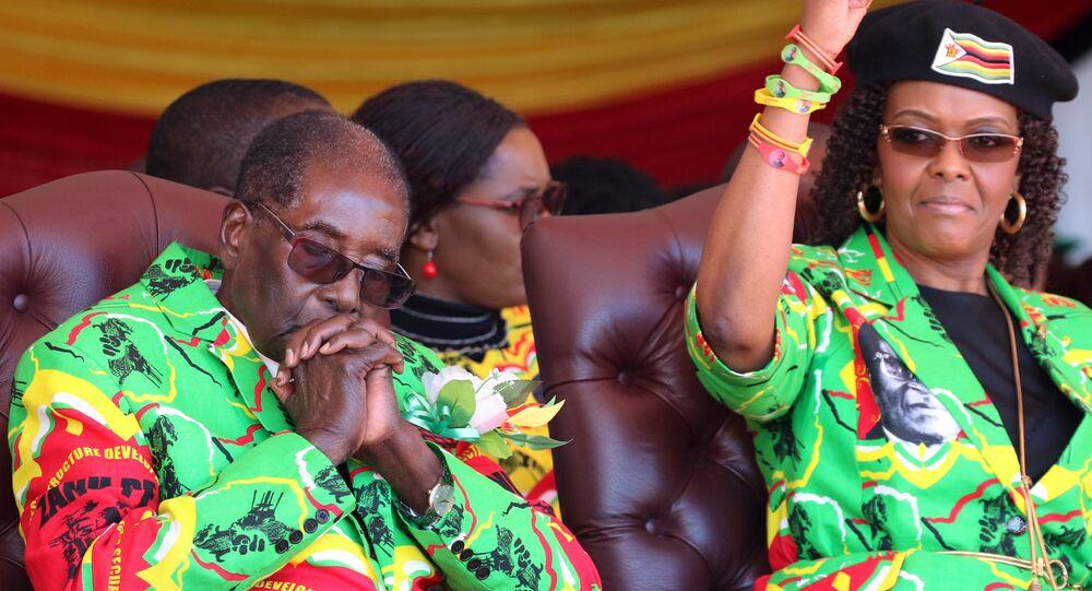 Zimbabve Devlet Başkanı Robert Mugabe ve eşi Grace Mugabe