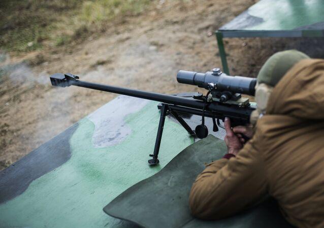 ASBK tüfeği ise Rusya Kara Kuvvetleri tarafından 2013 yılında kullanılmaya başlandı. 12.7x108 milimetre kalibreli bu tüfek 12 buçuk kilogram ağırlığında.