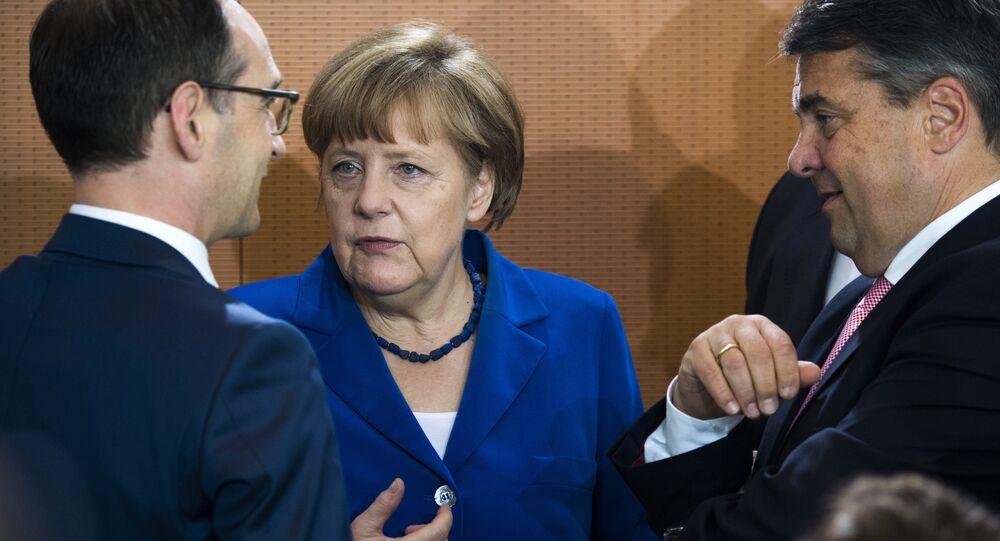 Heiko Maas, Angela Merkel ve Sigmar Gabriel