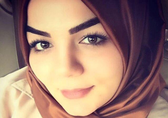 AK Parti Antalya Milletvekili Hüseyin Samani'nin kızı Betül Samani Gökay