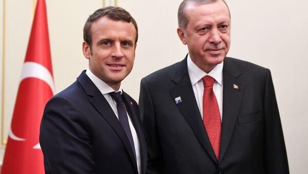 Fransa Cumhurbaşkanı Emmanuel Macron - Cumhurbaşkanı Recep Tayyip Erdoğan - Sputnik Türkiye