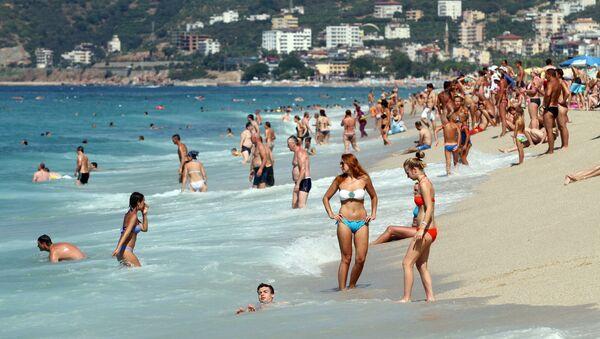 Plaj, turist, deniz, sahil - Sputnik Türkiye