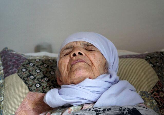 106 yaşındaki Afgan sığınmacı Bibihal Uzbeki