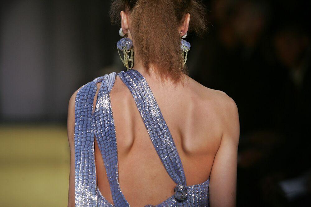 Fransız moda devlerinden aşırı zayıf modellere yasak