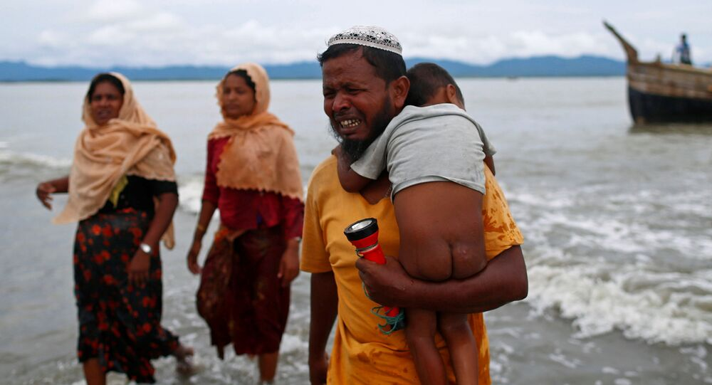 Myanmar'dan Bangladeş'e kaçan Arakanlı Müslümanlar