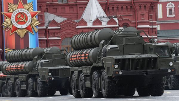 An S-400 Triumf air defense missile system, seen here during the military parade in Moscow marking the 72nd anniversary of the victory in the Great Patriotic War of 1941-1945. - Sputnik Türkiye