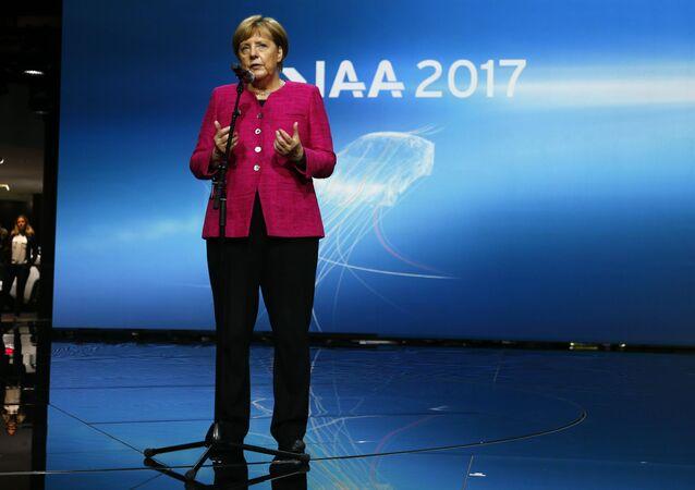 Merkel Frankfurt araba fuarı açılış