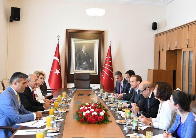 Kılıçdaroğlu, Fransa Dışişleri Bakanı Le Drian görüştü