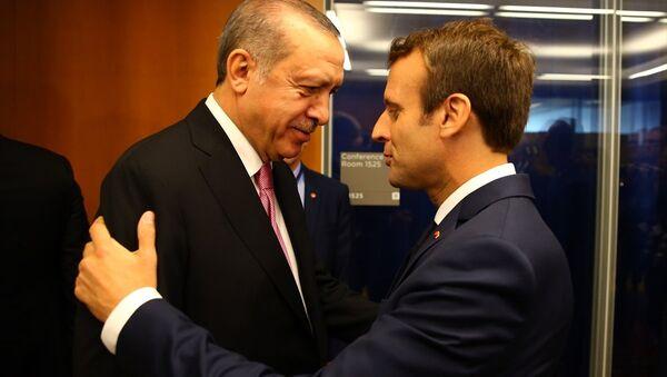 Cumhurbaşkanı Recep Tayyip Erdoğan ve Fransa Cumhurbaşkanı Emmanuel Macron - Sputnik Türkiye
