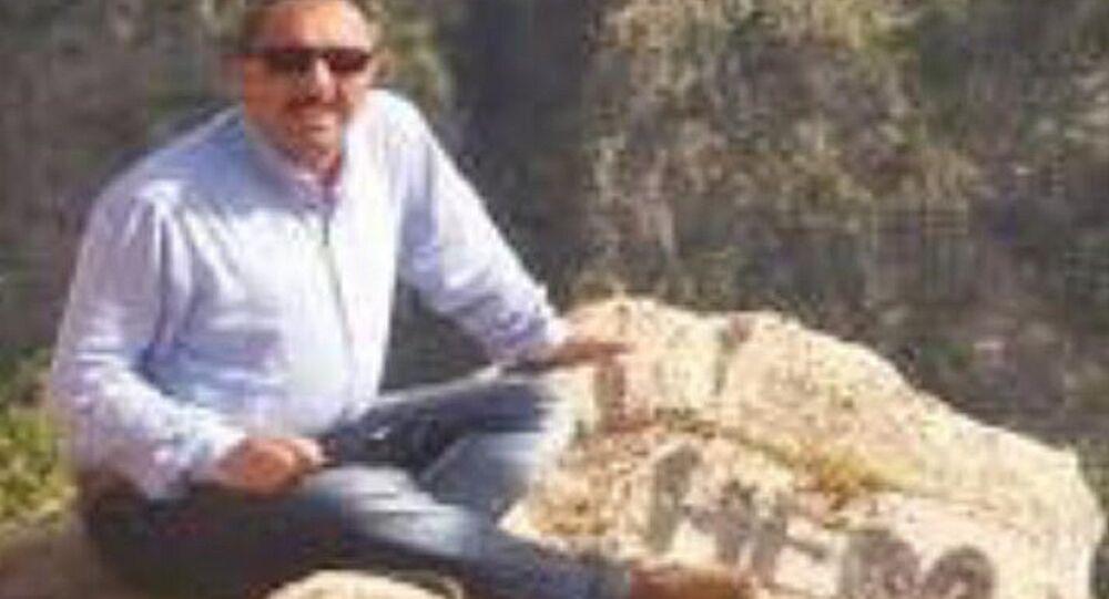 'Hero' yazılı fotoğraf paylaşan milli eğitim müdürü gözaltına alındı