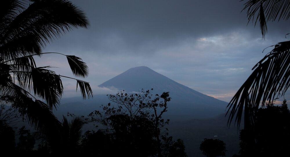 Agung yanardağı