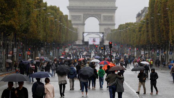 Paris kent merkezinin tamamı araç trafiğine kapatıldı - Sputnik Türkiye