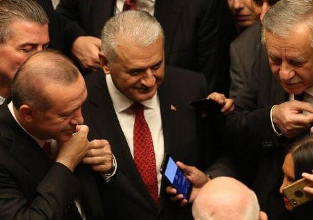 MHP Genel Başkan Yardımcısı Celal Adan ve Cumhurbaşkanı Recep Tayyip Erdoğan