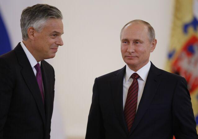 Rusya Devlet Başkanı Vladimir Putin, ABD'nin yeni Moskova Büyükelçisi Jon Huntsman