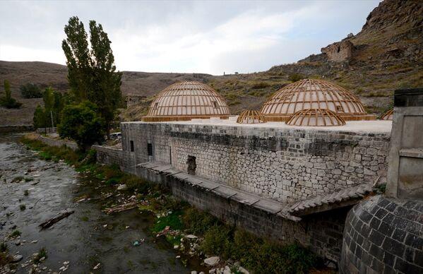 Namık Kemal ile Puşkin'in yıkandığı hamam turizme kazandırılacak - Sputnik Türkiye
