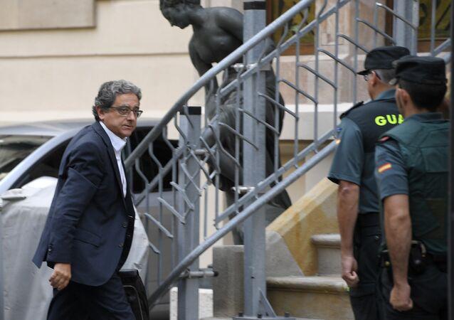 İspanya hükümetinin Katalonya Valisi Enric Millo