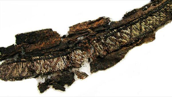 Viking mezarlarında üzerinde 'Allah' ve 'Ali' yazan kumaşlar bulundu - Sputnik Türkiye