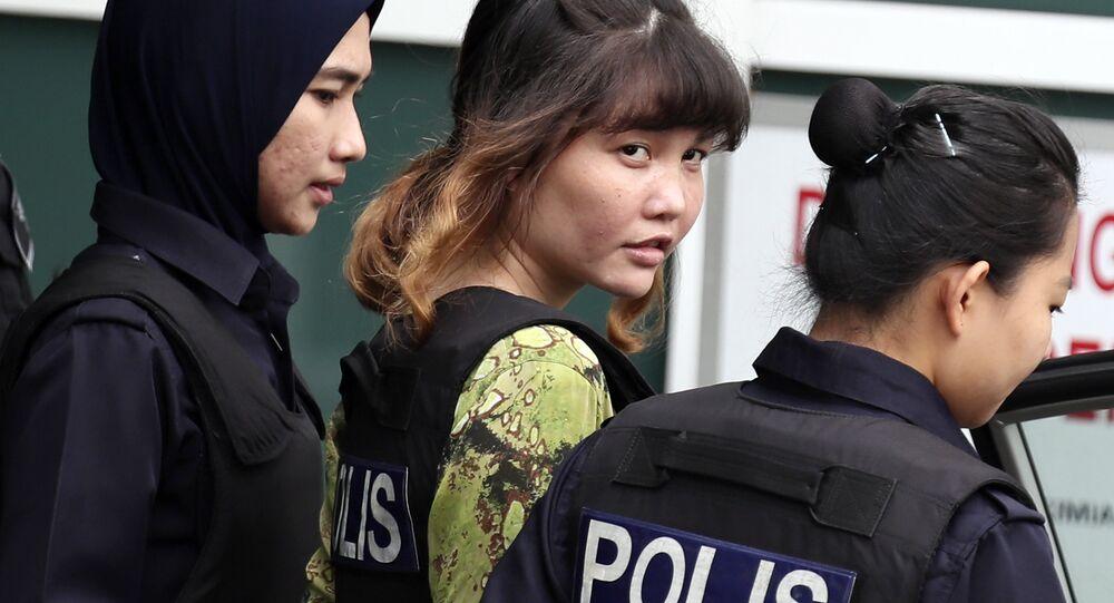 Malezya'da görülen davada yargılanan iki kadın, Vietnamlı Doan Thi Huong ve Endonezyalı Siti Aisyah, Kuzey Koreli ajanların talimatıyla Kim Jong-nam'ı öldürmekle suçlanıyor.