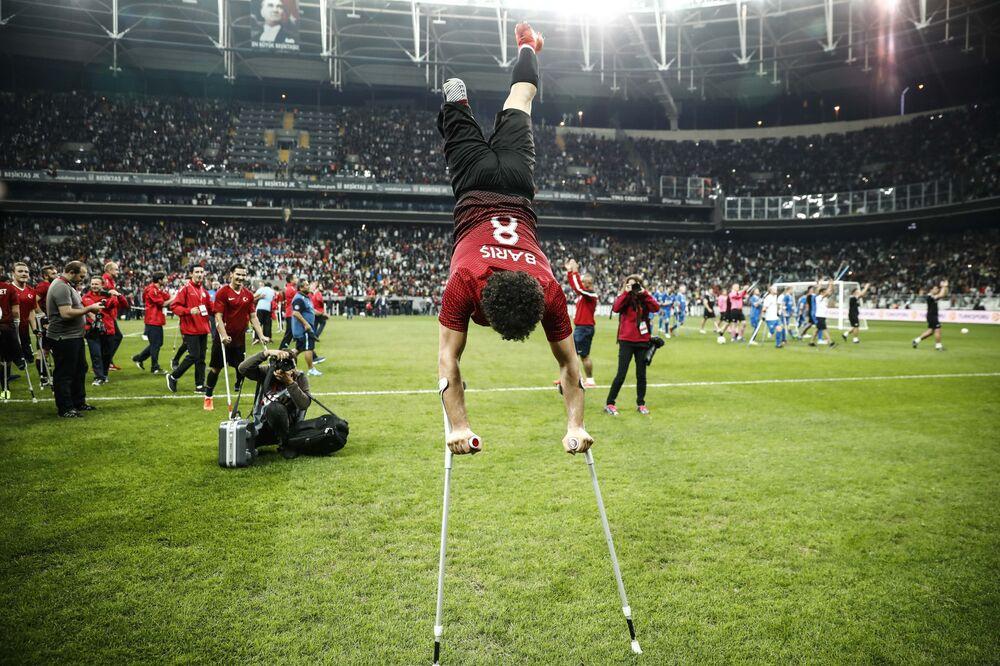 Türkiye Ampute Milli Takımı'nın şampiyonluk sevinci