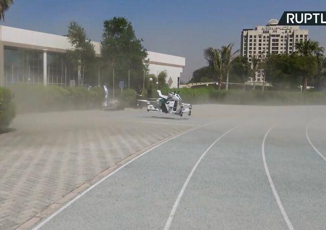 Dubai'de uçan motosiklet tanıtıldı